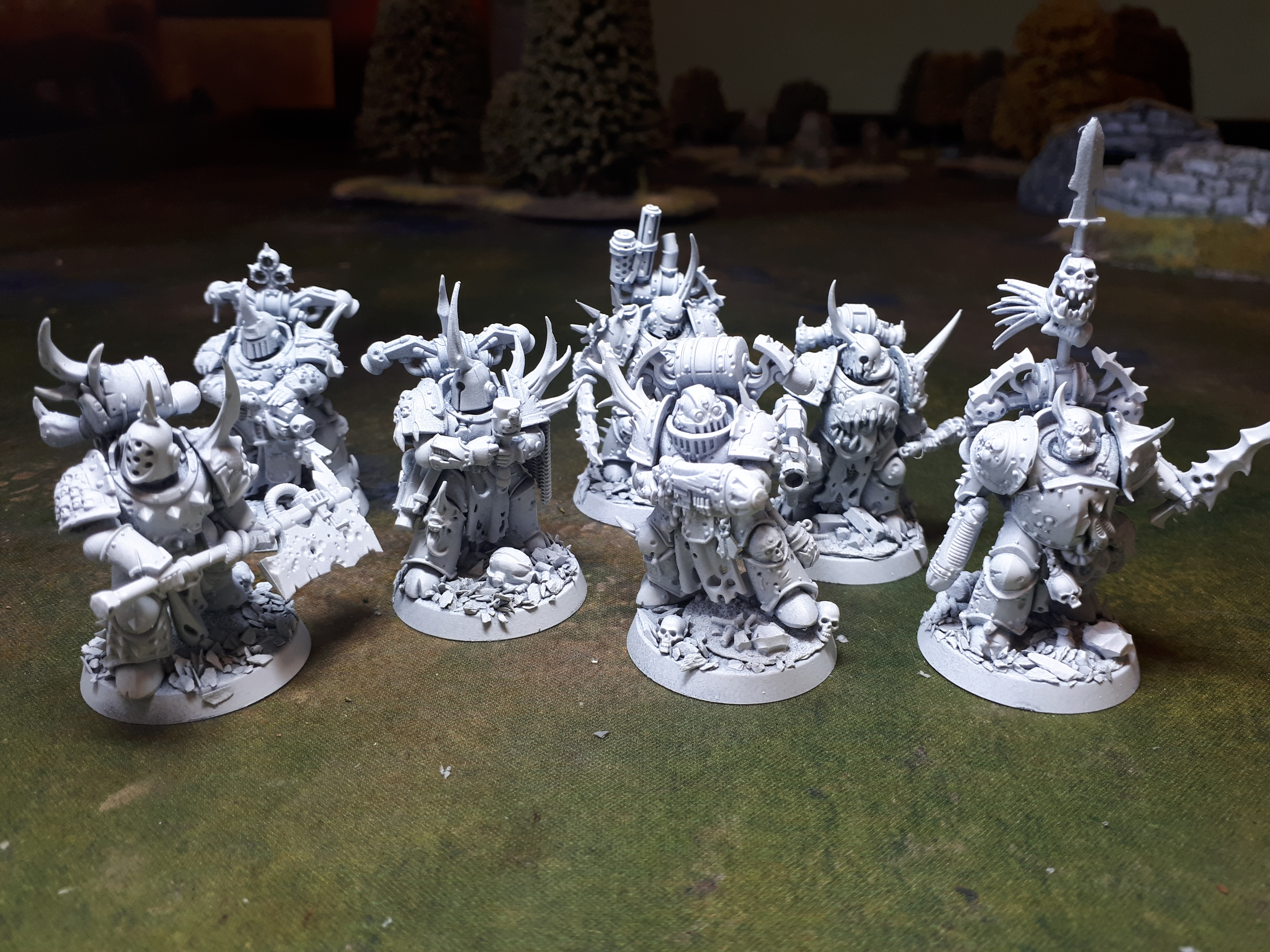 Undercoated white, 7 Death Guard Plague Marines