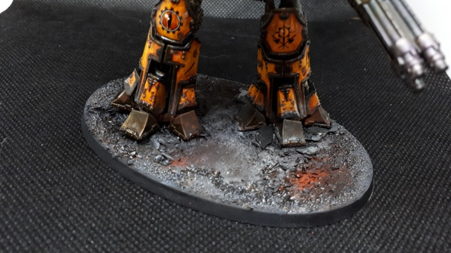 Closeup of feet on Reaver Titan